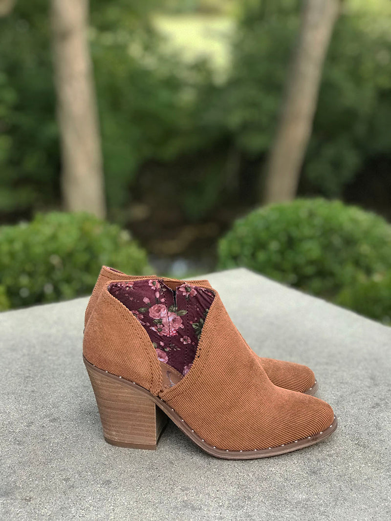Prestlyn Corduroy Ankkle Booties - Barefoot Dreamer