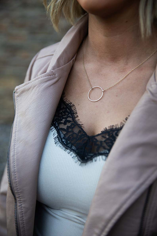 Aleena Danity Gold Circle Necklace - Barefoot Dreamer
