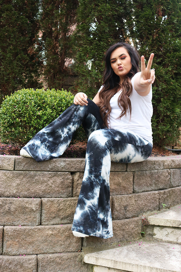 Dream On Fit and Flare Tie Dye Yoga Pants - Barefoot Dreamer