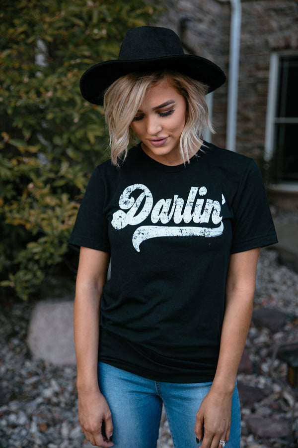 Darlin'  Graphic Tee - Curvy - Barefoot Dreamer