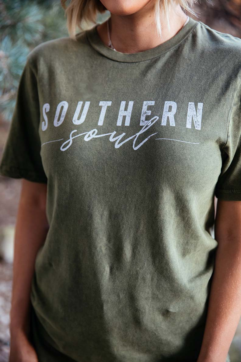 Southern Soul Graphic Tee - Barefoot Dreamer