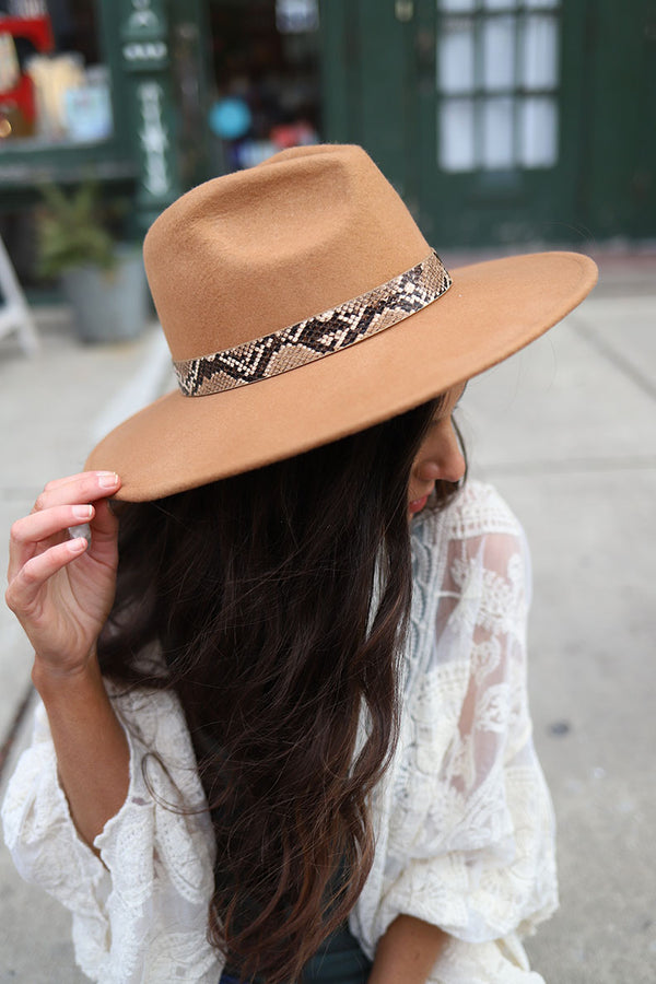 Arizona Flat Brim Rancher Hat Snakeskin Band - Tan - Barefoot Dreamer