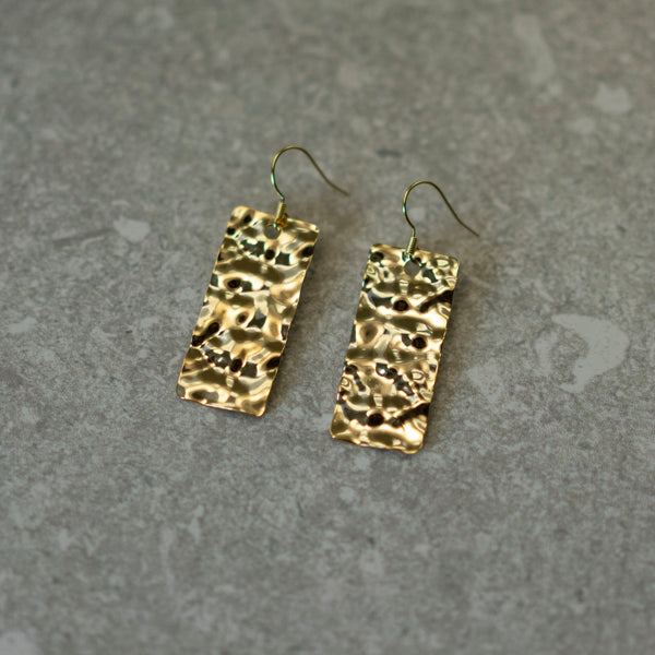 Hammered plate earrings