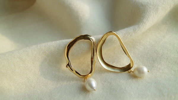 Inez Pearl Earrings