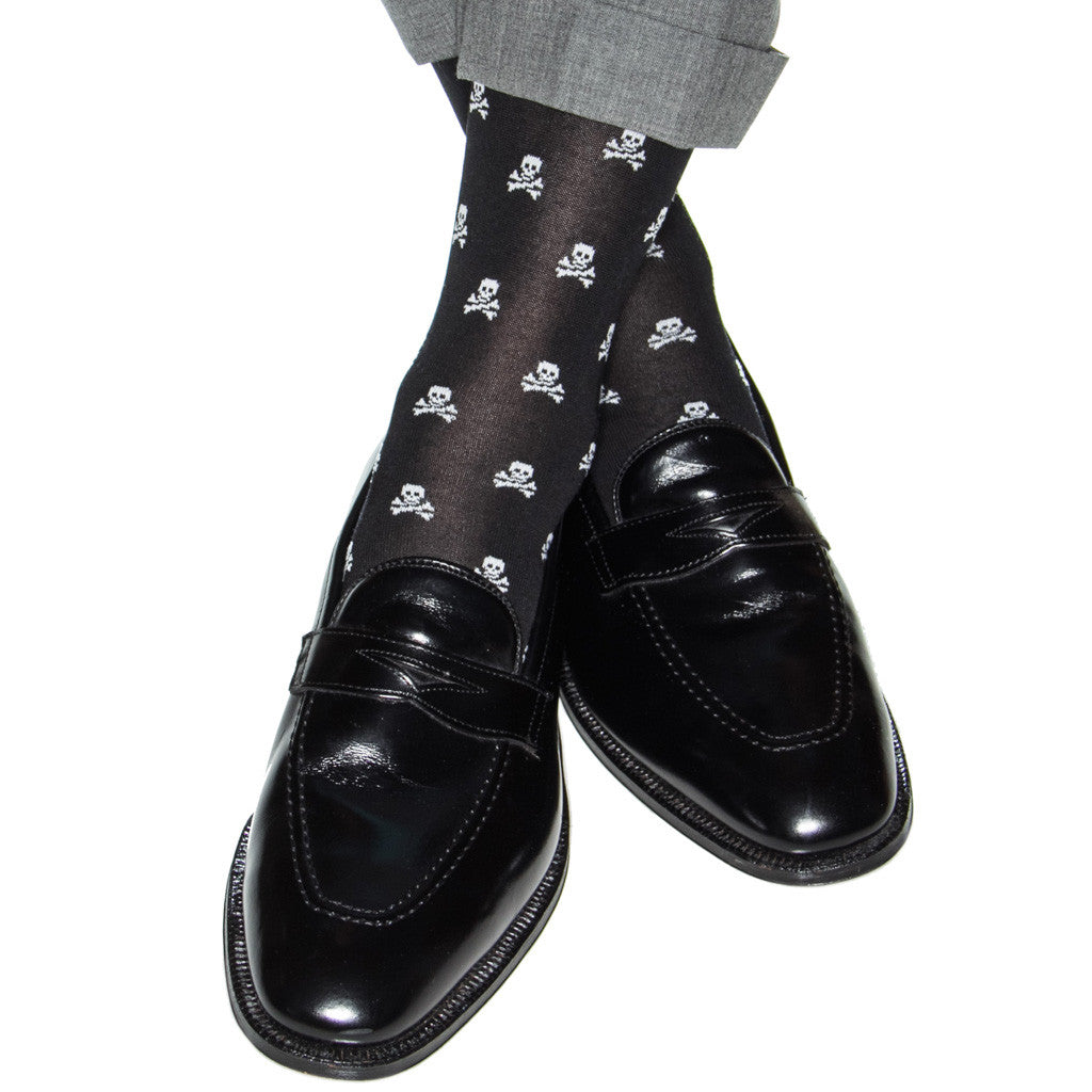 2f10116d885d1 Black with White Skull and Crossbones Sock Linked Toe Mid-Calf ...