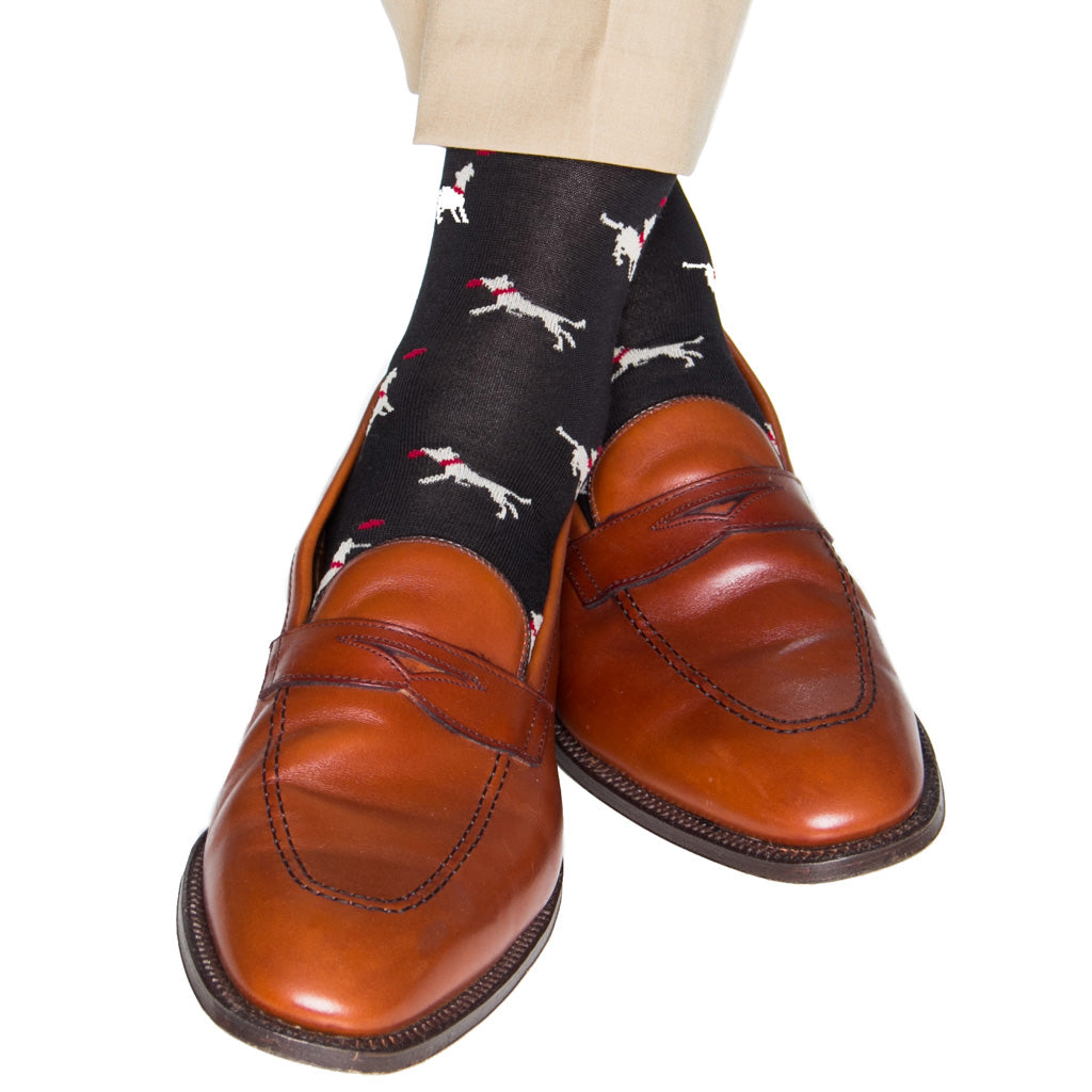 mid-calf black/tan/red dog with frisbee cotton sock