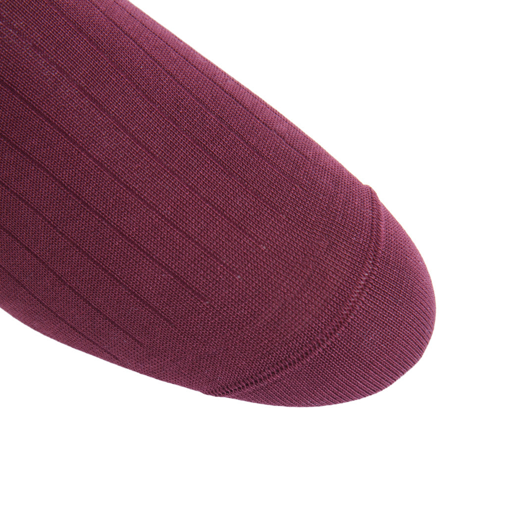 linked-toe Burgundy Ribbed wool sock