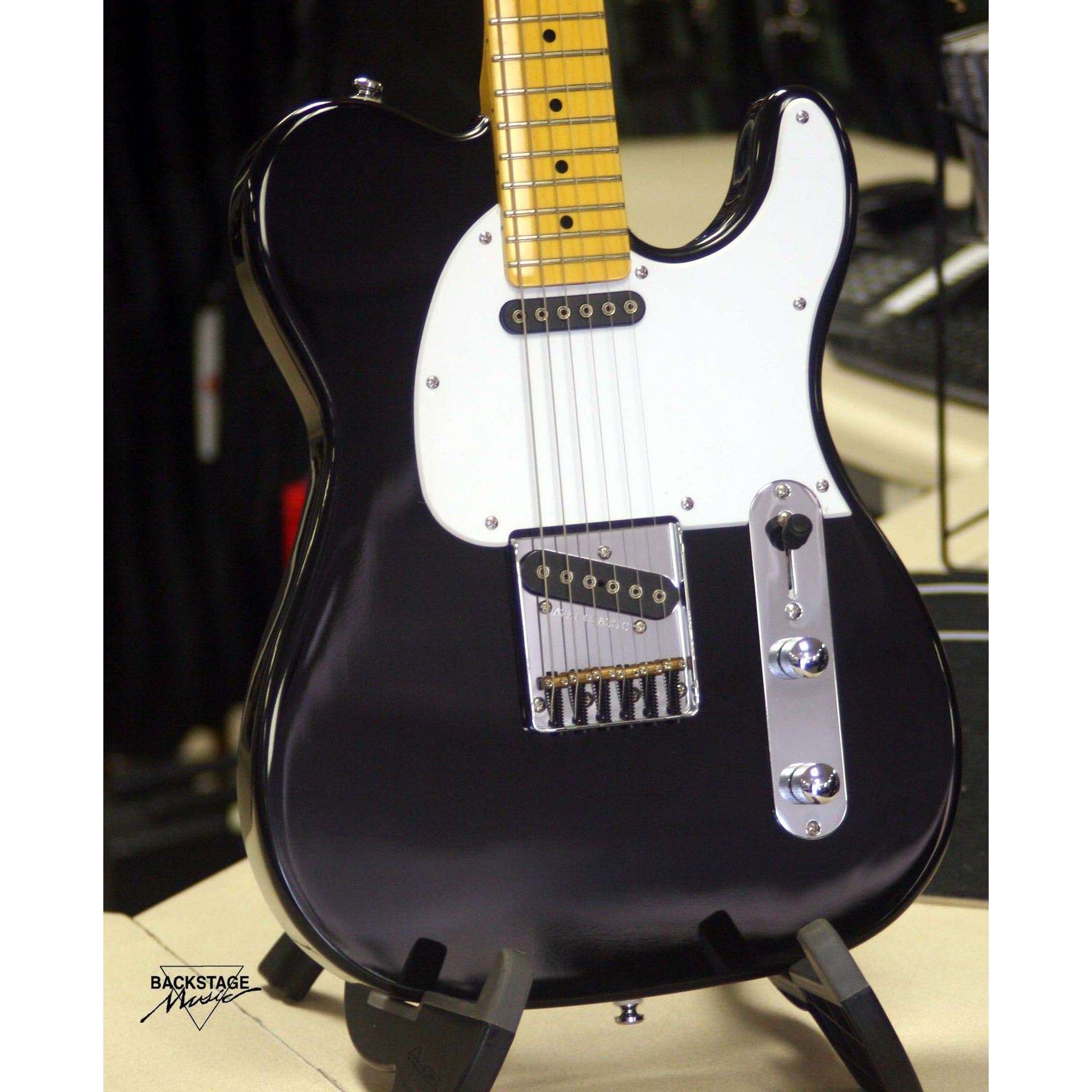 G&L Tribute ASAT Classic, Gloss Black, White Pickguard, SN 1535 (NEW)