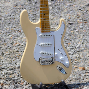 G&L Tribute S-500 Electric Guitar, Vintage White
