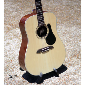 Alvarez Regent RD26 Dreadnought Acoustic Guitar With Padded Gig Bag