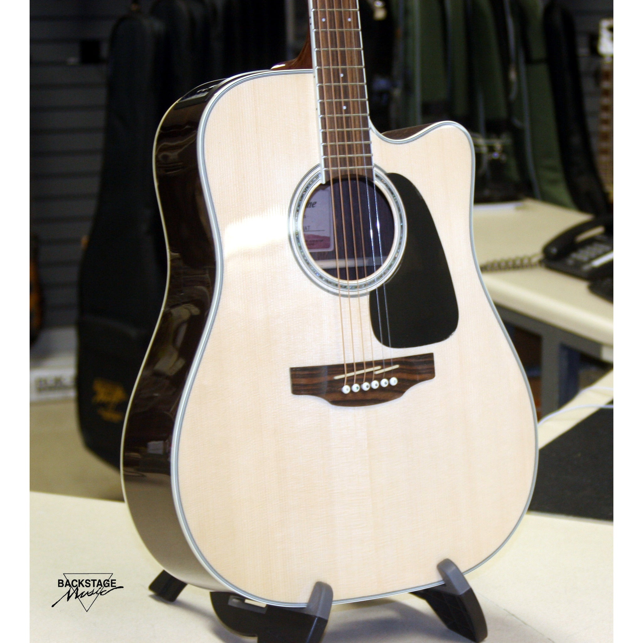 Takamine GD51CE-NAT Dreadnought Cutaway Acoustic Guitar (Natural Finish)