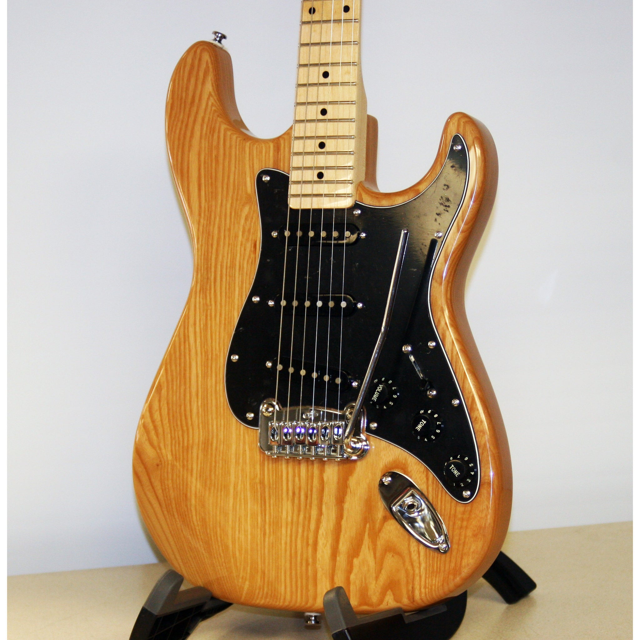 G&L Tribute Legacy in Natural Ash, Just Gorgeous