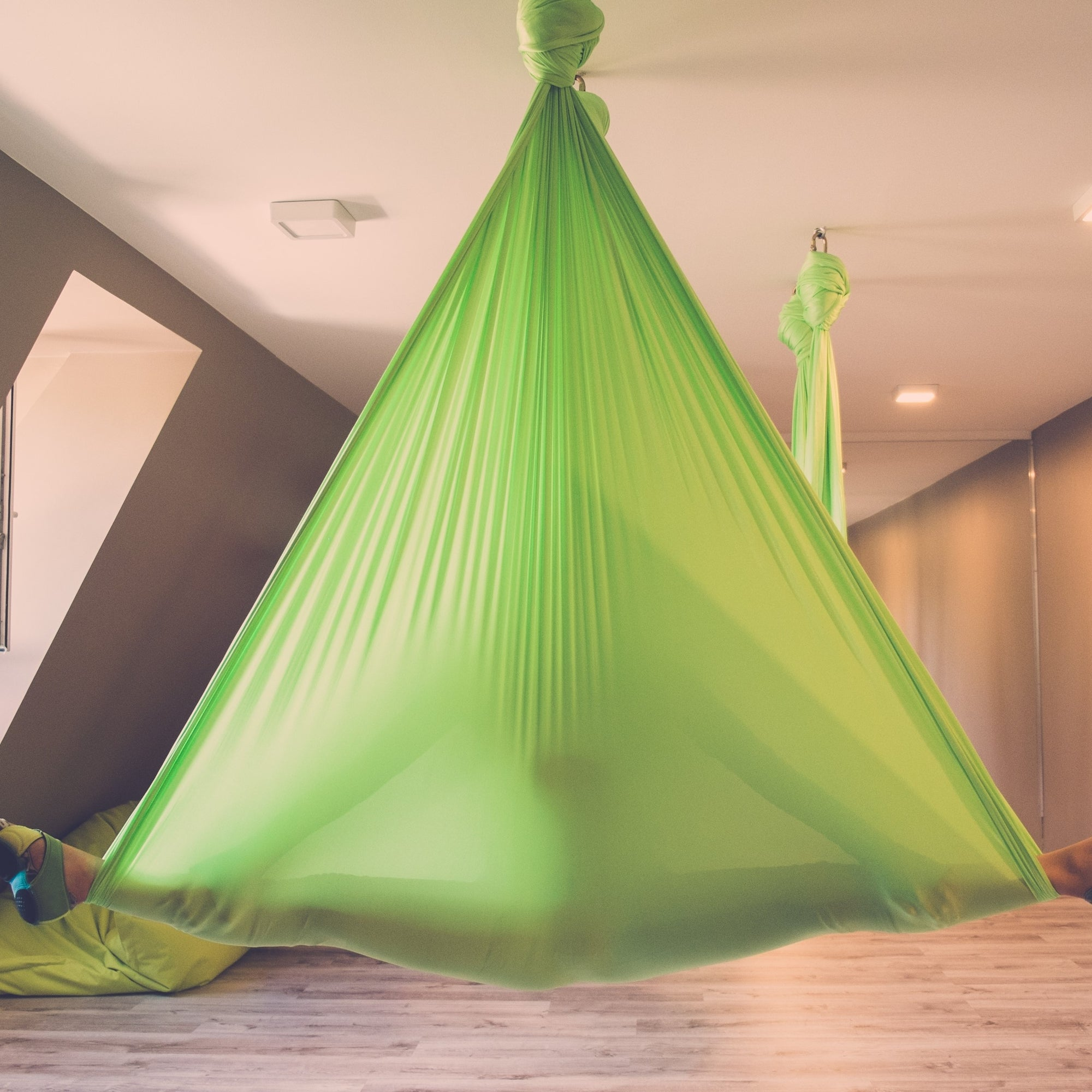 Aerial Yoga Splits Green Yoga Hammock Uplift Active