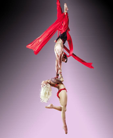Quynbi and Eric Duo Reves Aerial Doubles Performance