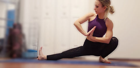 Girl doing Side Lunge Transitions