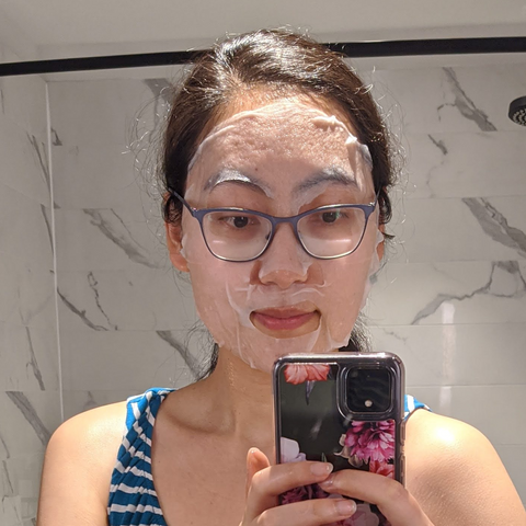 Trying on Peach Slices Travel Camellia Leaf & Coptis Root Sheet Mask