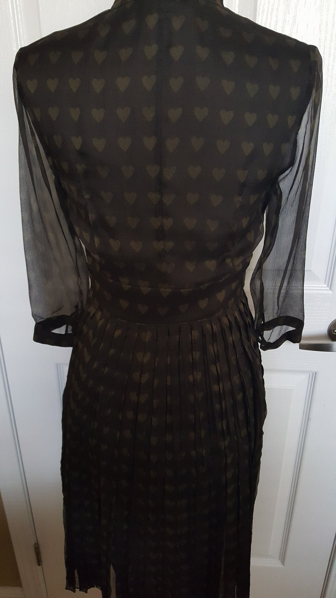 BURBERRY LONDON SILK BLACK/OLIVE GREEN HEART PLEATED DRESS - SIZE US 4