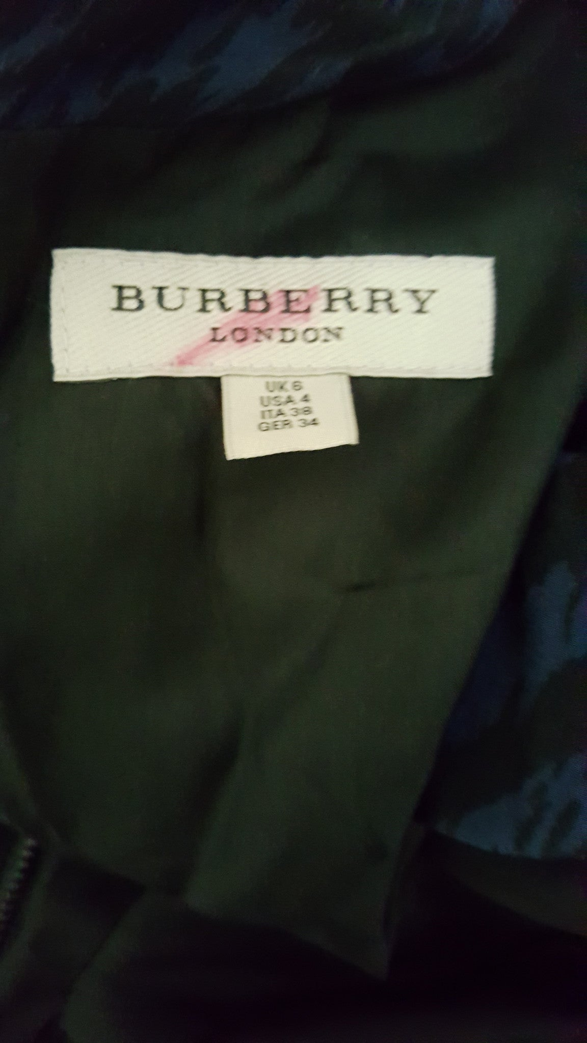 BURBERRY LONDON SILK NAVY/BLACK CHEVRON PRINT CREW DRESS - SIZE US 4