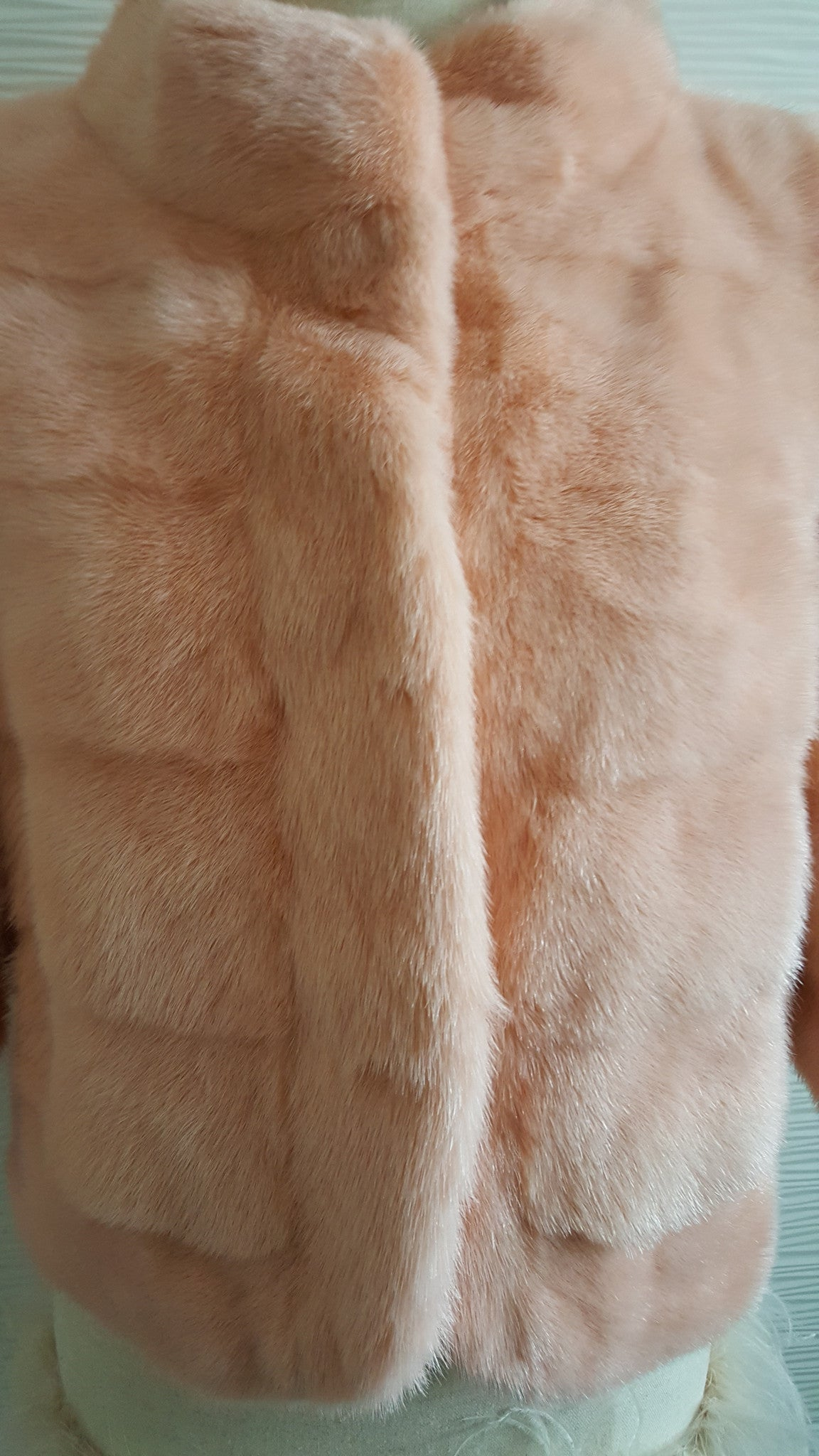 PINK 3/4 SLEEVE CROPPED MINK COAT - SIZE 4 - SMALL