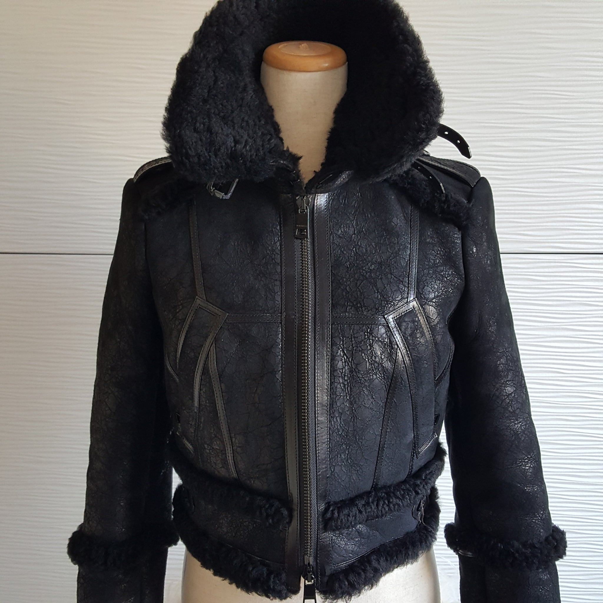BURBERRY LONDON CROPPED SHEARLING BOMBER JACKET - SIZE US 6