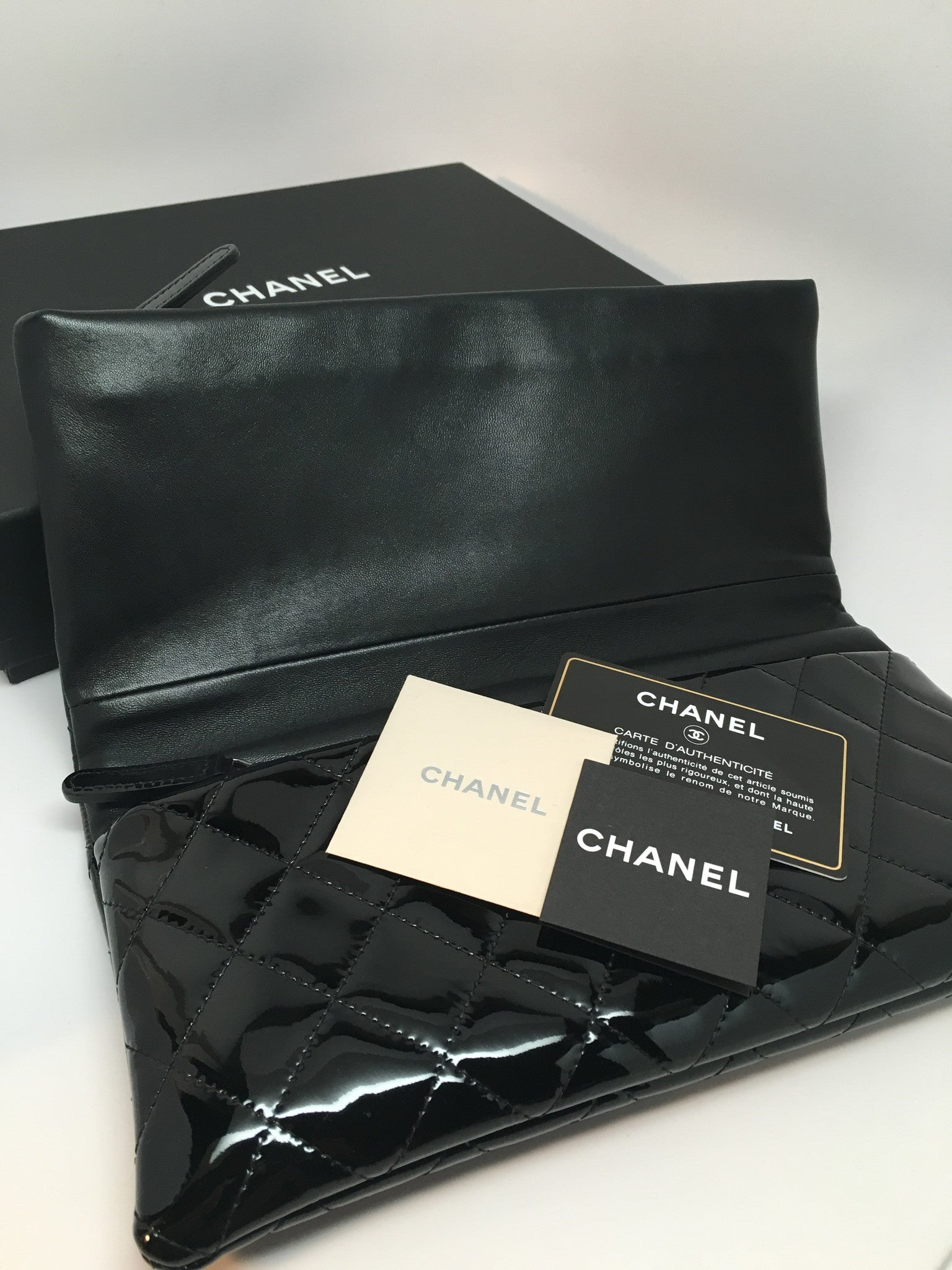 CHANEL PATENT FOLDED CLUTCH