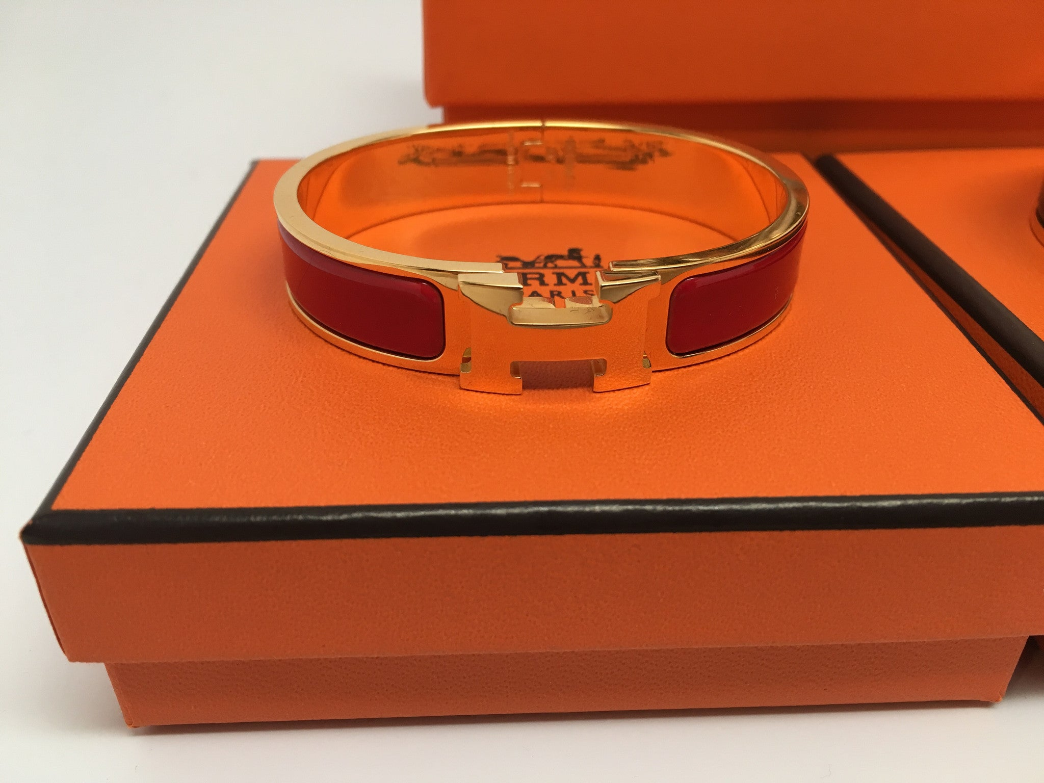 HERMES CLIC H BRACELET, RED - GOLD PLATED - SIZE SMALL (PM)