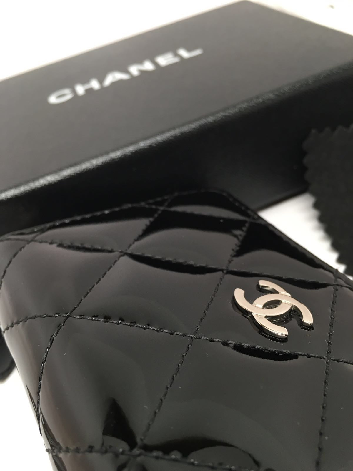 CHANEL BLACK PATENT LEATHER QUILTED ZIP AROUND COIN PURSE