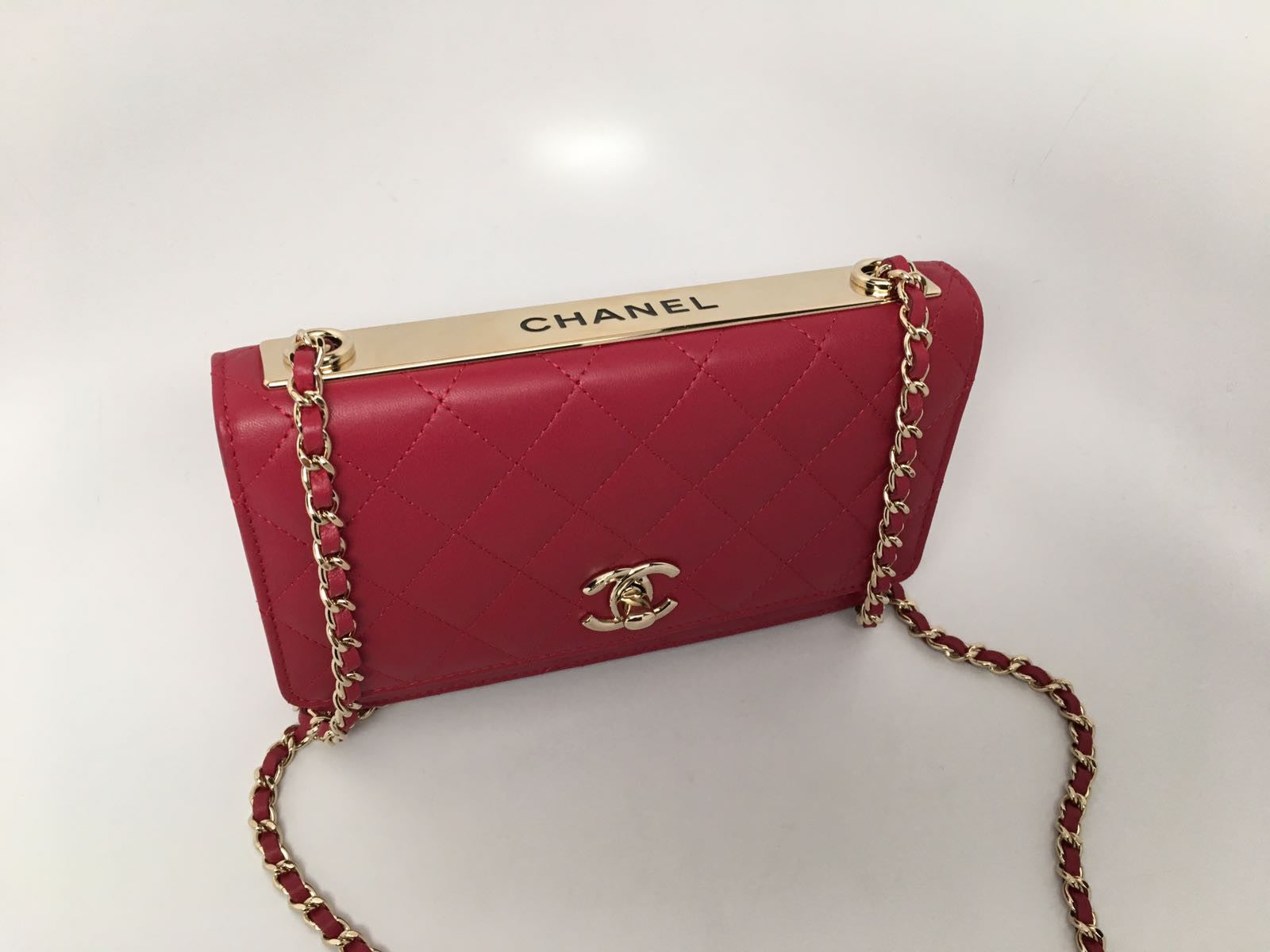 CHANEL LAMBSKIN WALLET ON CHAIN IN RUBY RED