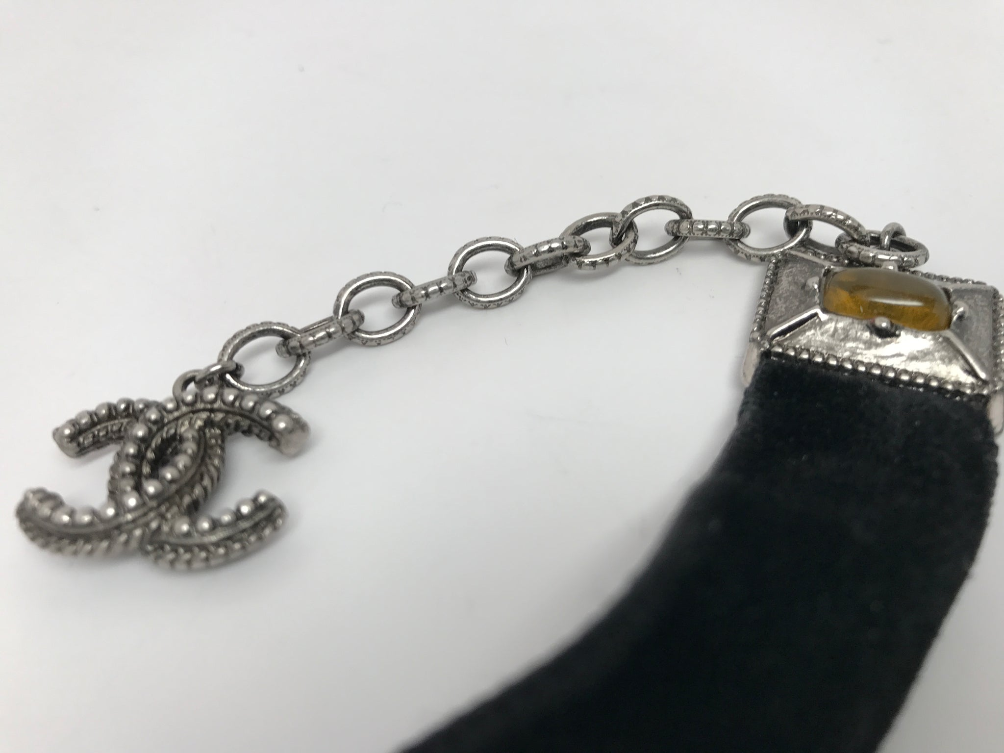 CHANEL METAL AND VELVET CHOKER NECKLACE