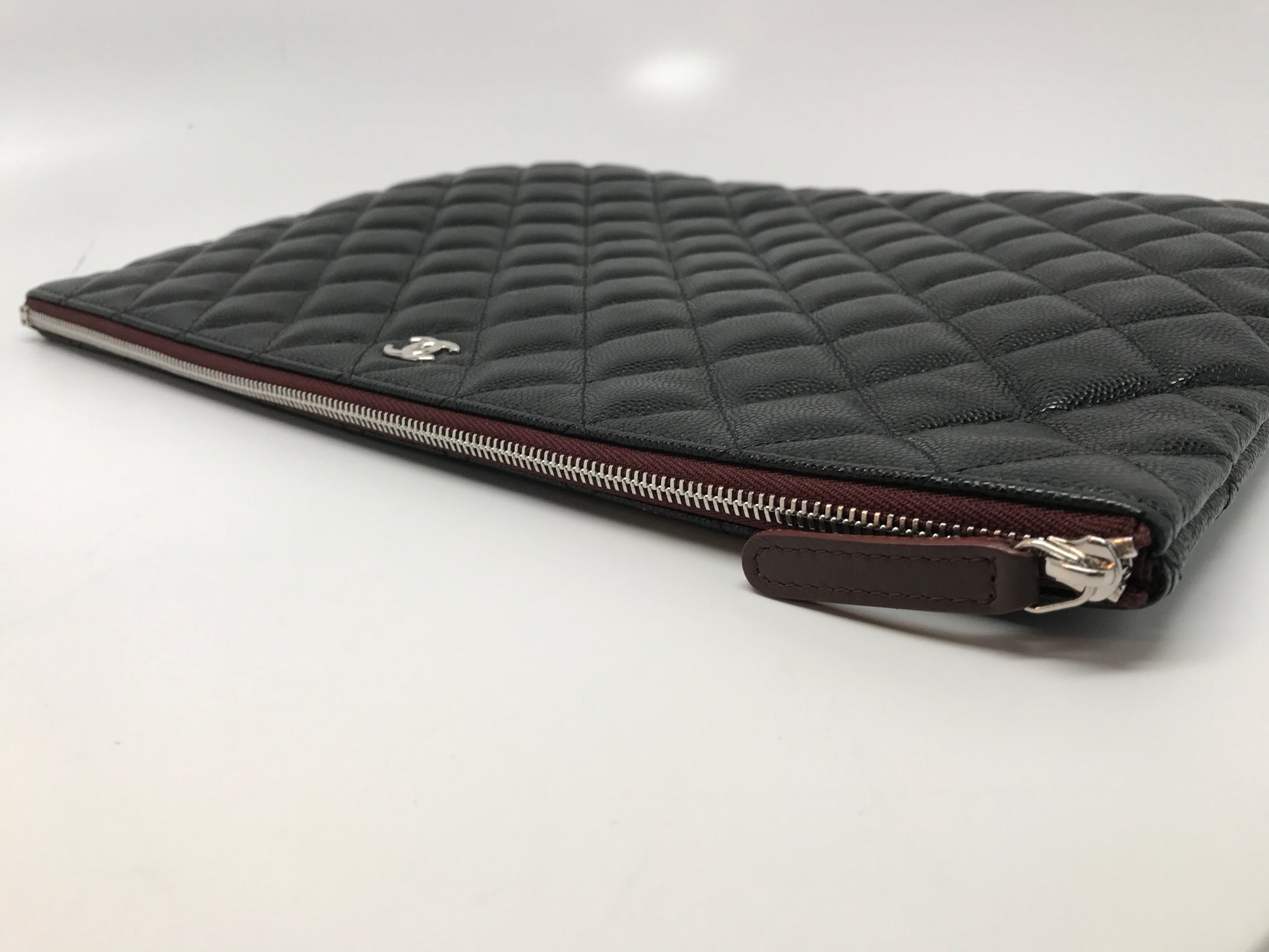 CHANEL BLACK QUILTED LARGE O CASE IN CAVIAR LEATHER
