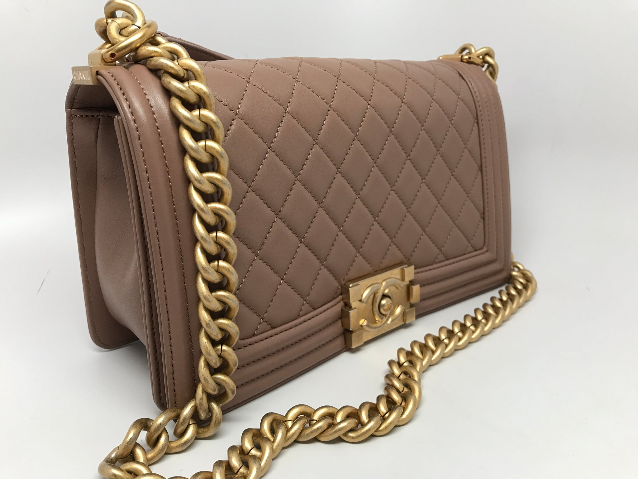 CHANEL MEDIUM BOY FLAP BAG - BEIGE LAMBSKIN