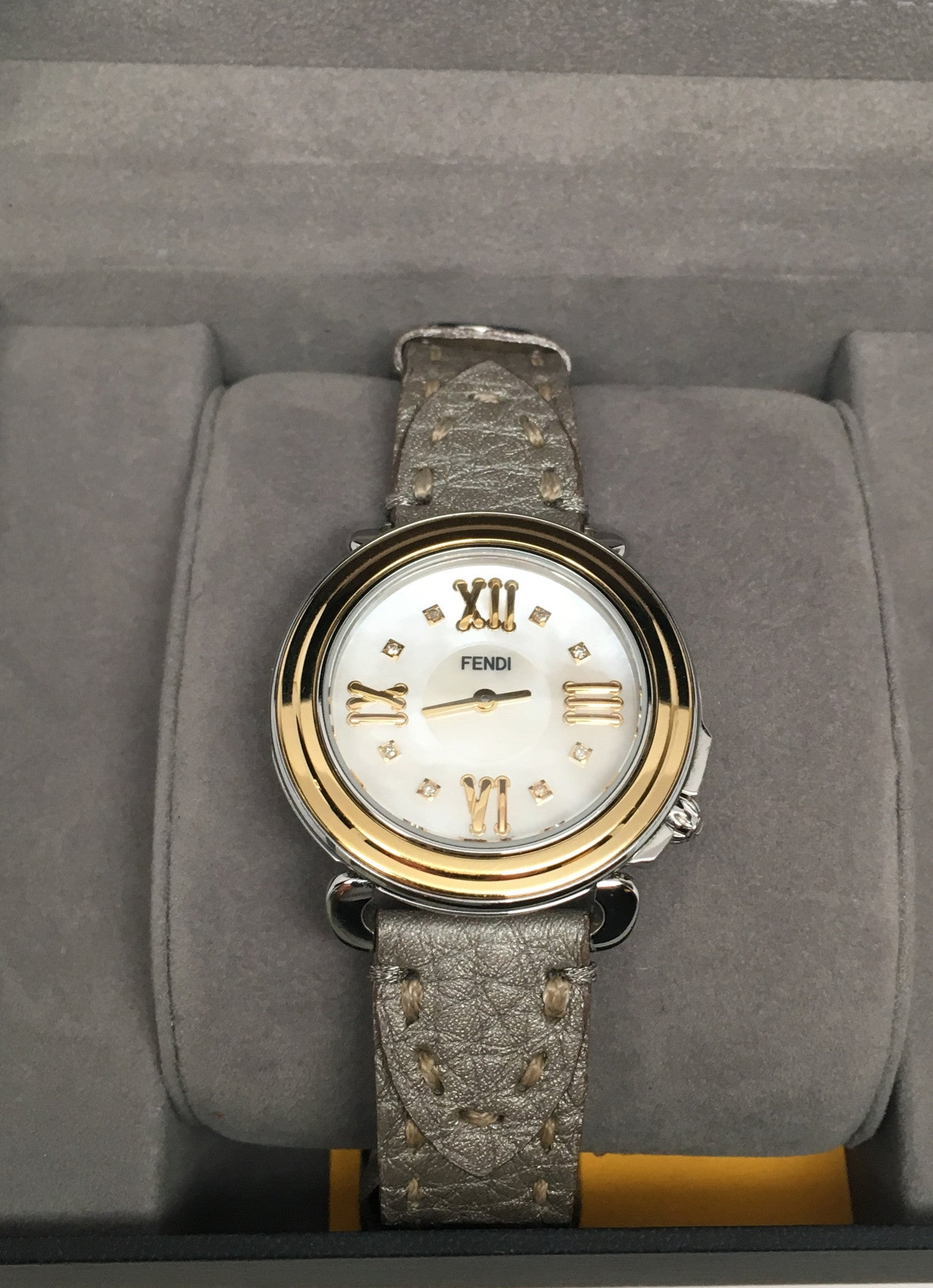 FENDI SELLERIA DIAMOND DIAL WITH BONUS EXTRA LEATHER STRAP
