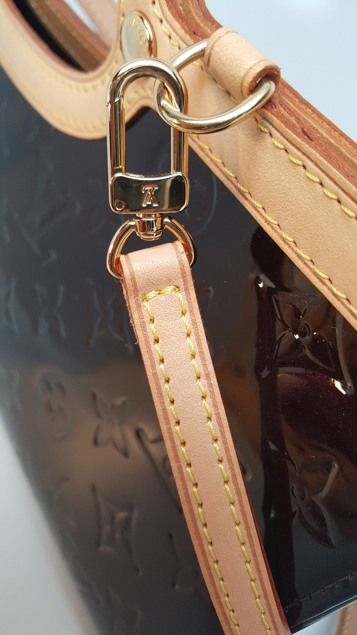 LOUIS VUITTON AMARANTE MONOGRAM VERNIS ROXBURY DRIVE BAG