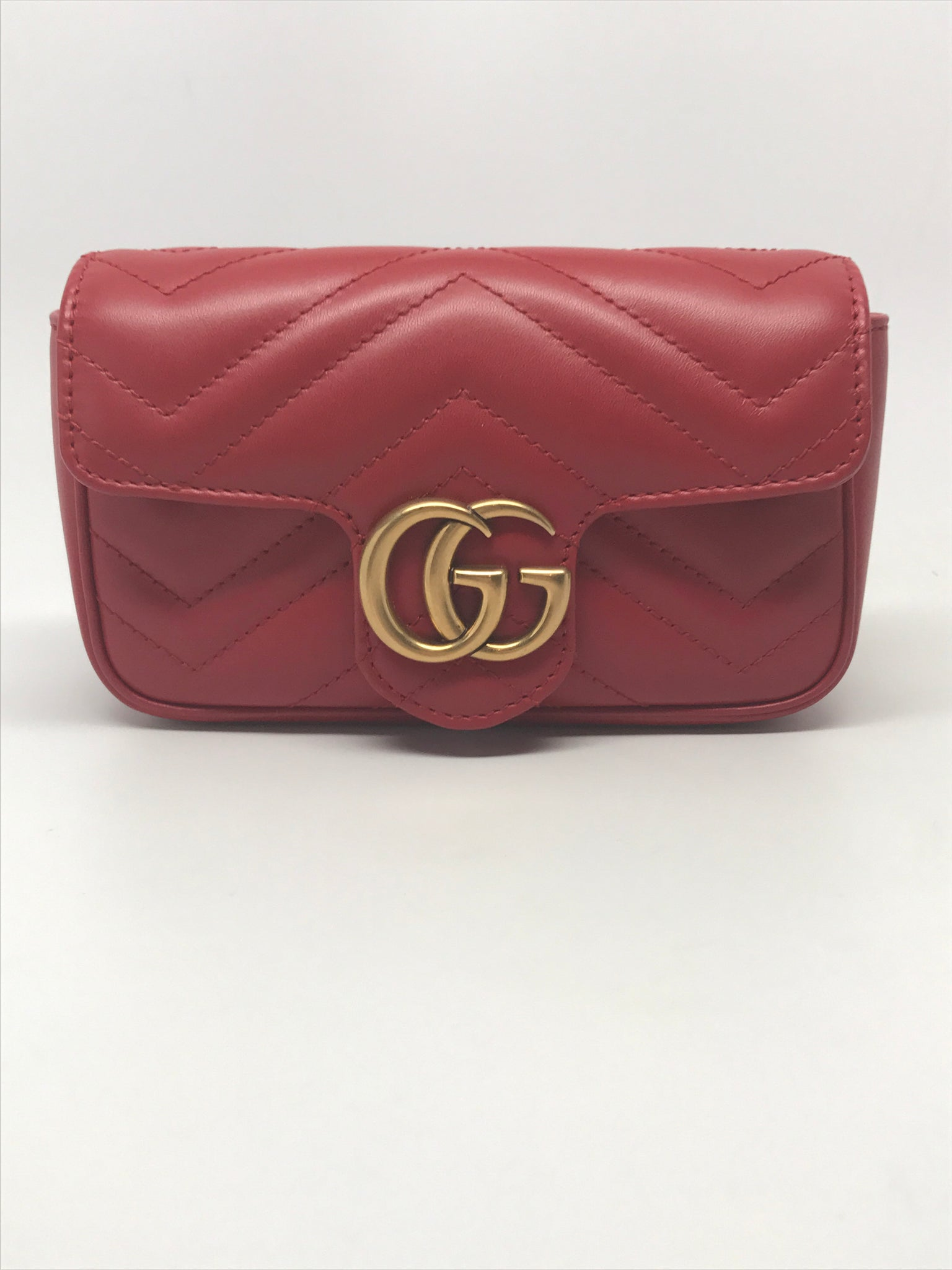 GUCCI GG MARMONT SUPER MINI SHOULDER BAG IN HIBISCUS RED
