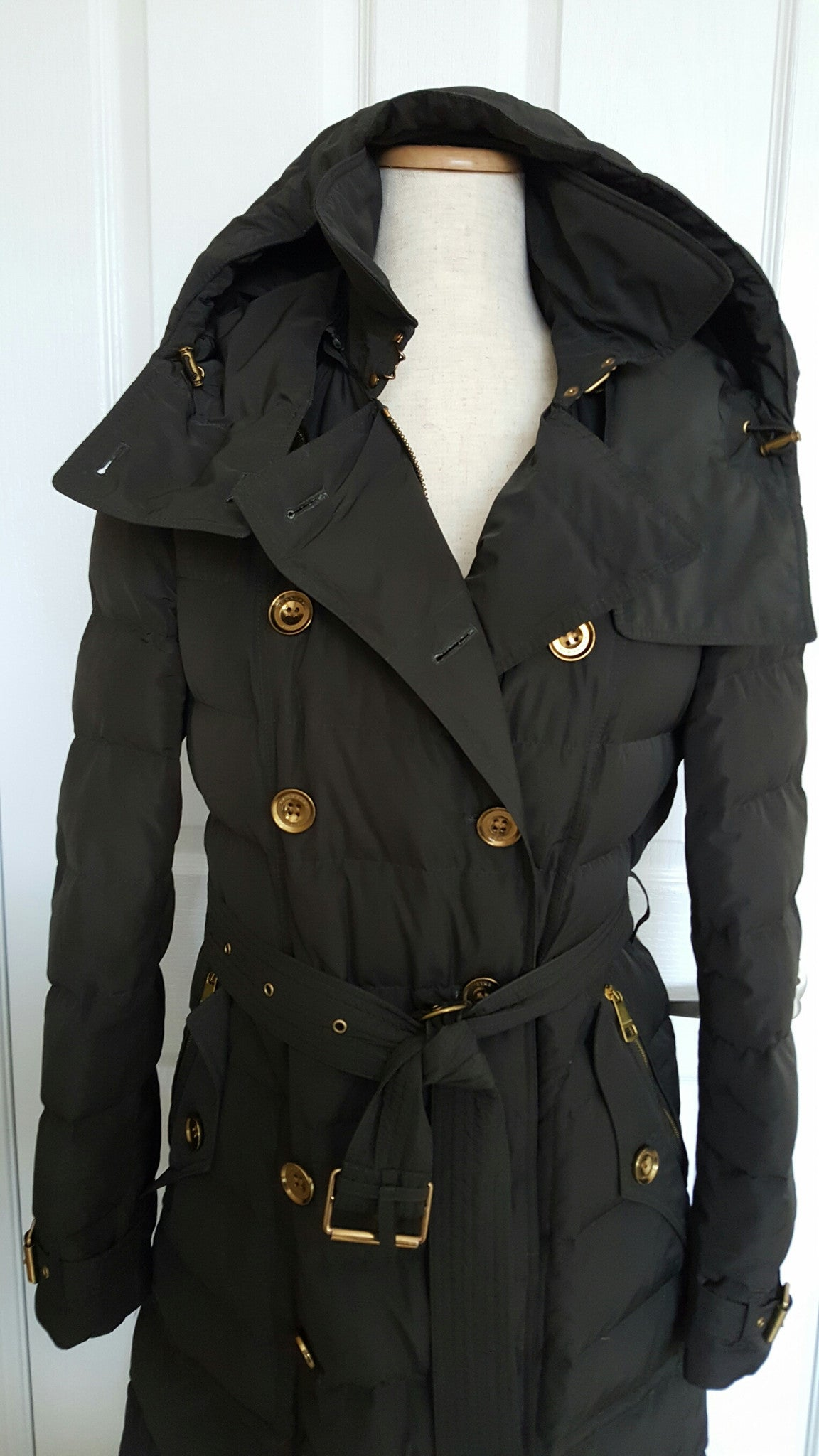 BURBERRY BRIT BLACK DOWN JACKET - SIZE LARGE