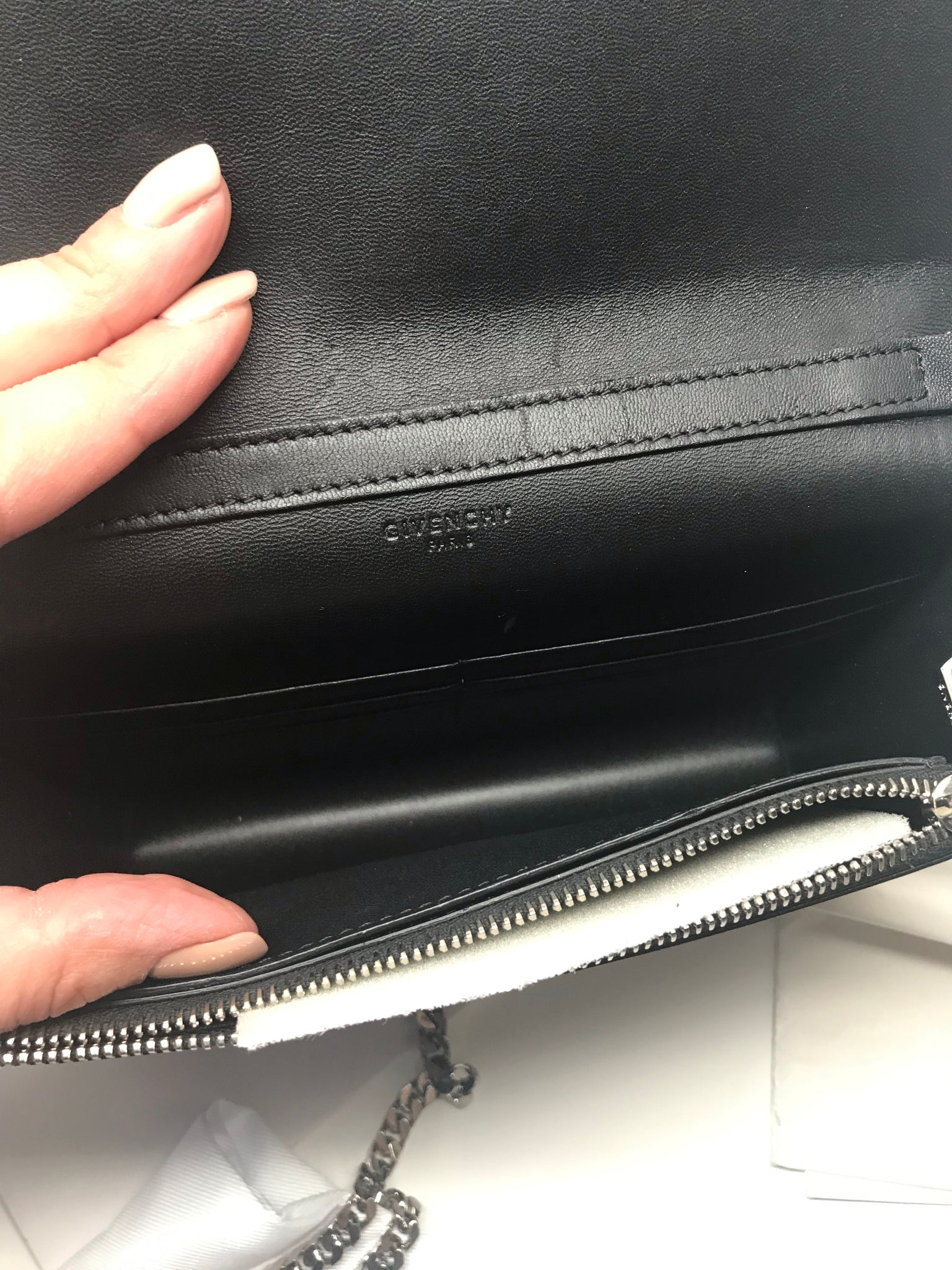 GIVENCHY PANDORA CALFSKIN WALLET ON CHAIN IN BLACK
