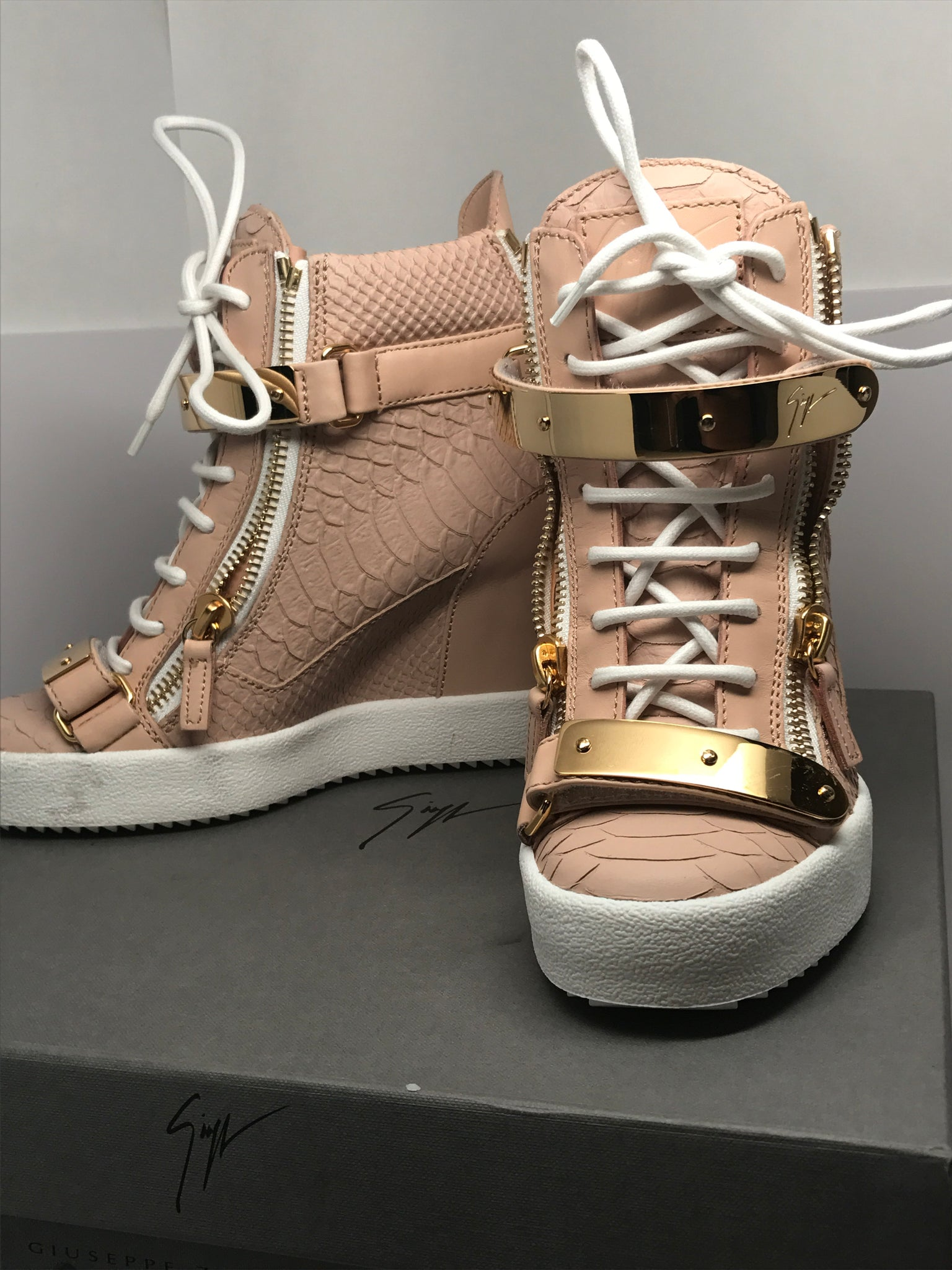 GIUSEPPE ZANOTTI 'JENNIFER' EMBOSSED CROCODILE LEATHER WEDGE SNEAKER - SIZE 37
