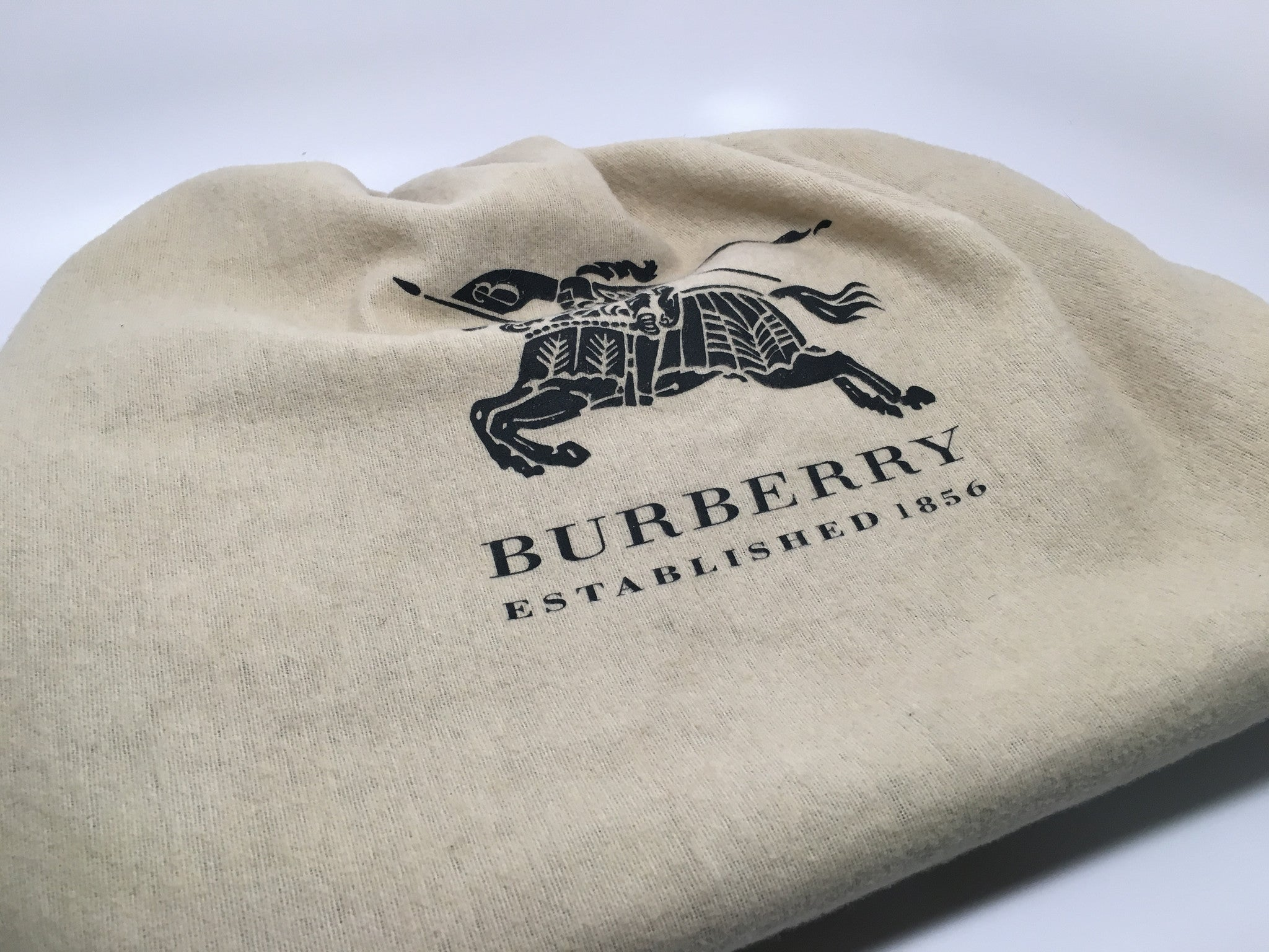NEW BURBERRY MEDIUM CALE LEATHER HOBO BAG