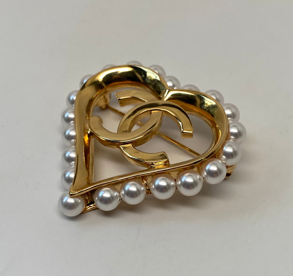 CHANEL HEART PEARL CC BROOCH