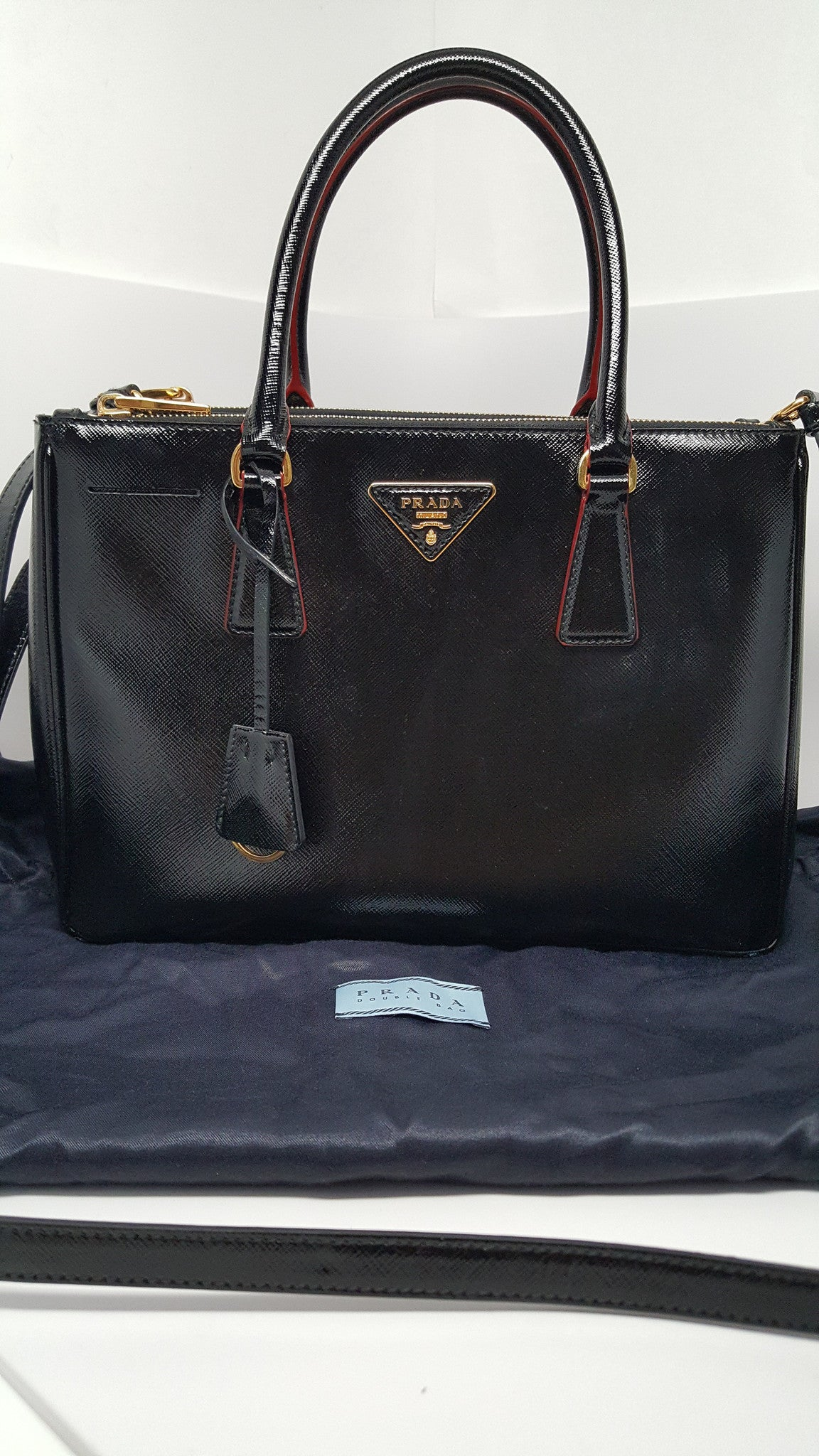 0b82ce8529e2d0 PRADA GLOSSY SAFFIANO LUX DOUBLE ZIP BLACK TOTE - MEDIUM – Hebster Boutique