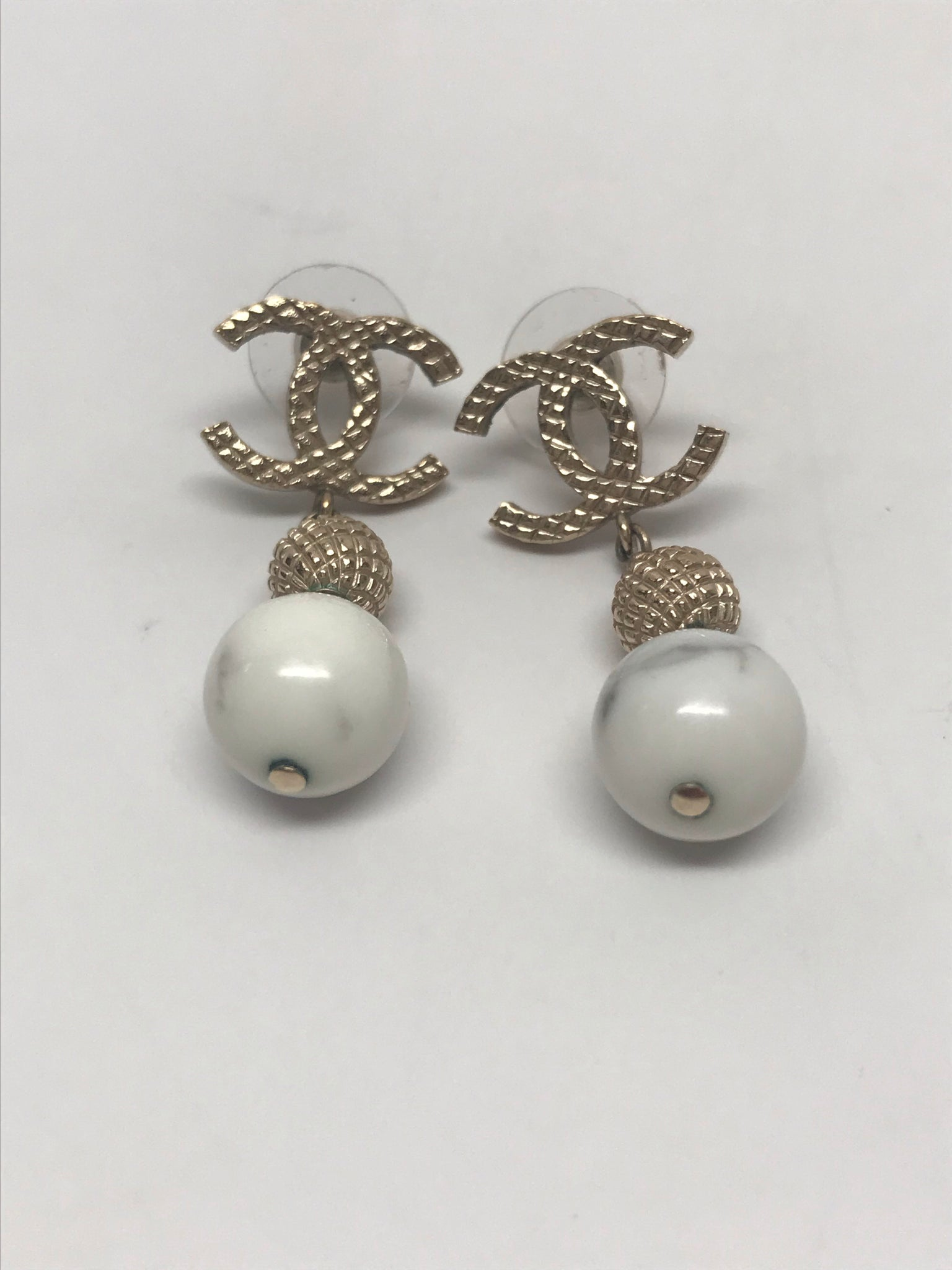 CHANEL CC TIMELESS WHITE MARBLE DROP EARRINGS