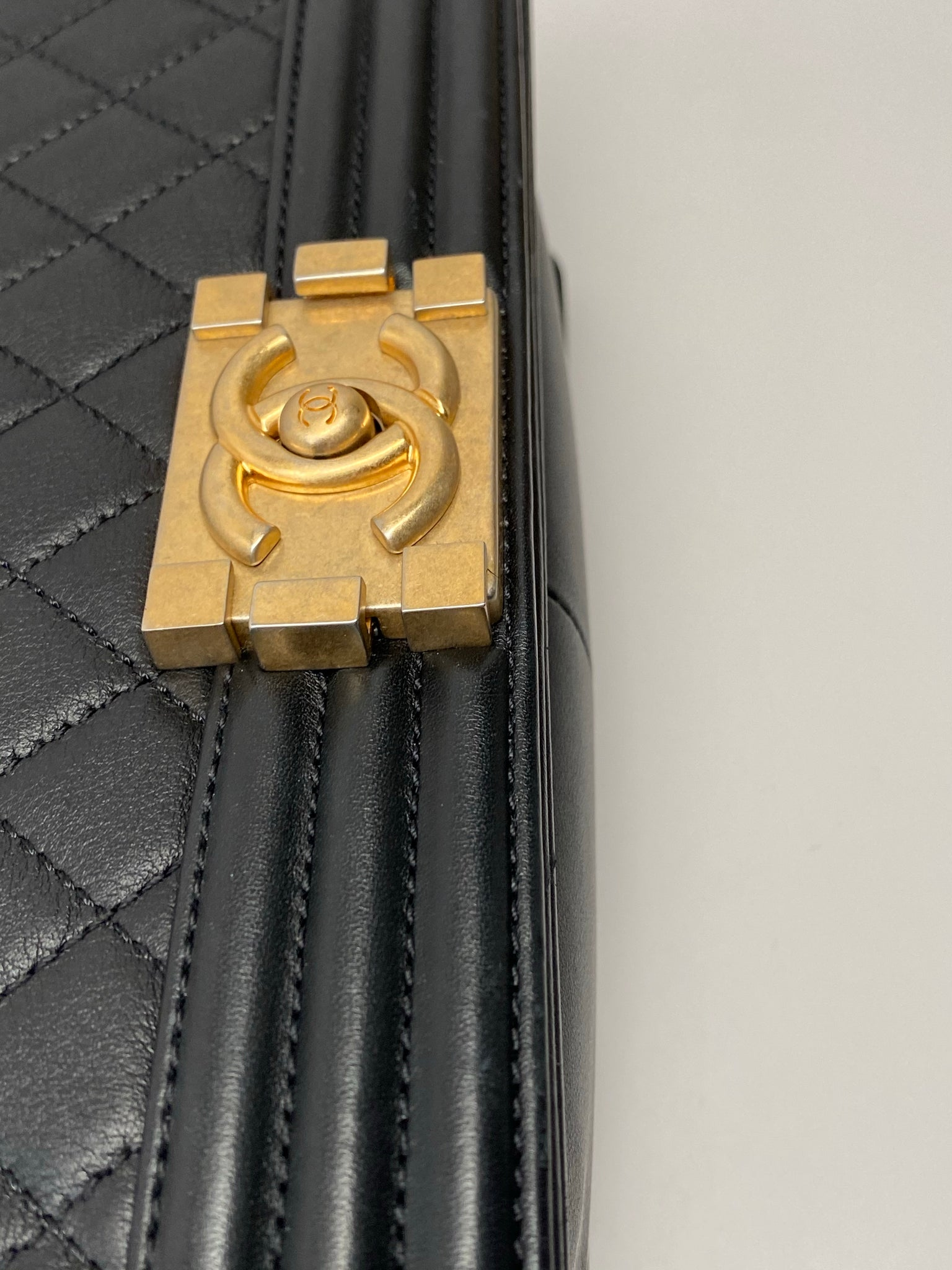 CHANEL MEDIUM BOY FLAP BAG - BLACK CALFSKIN