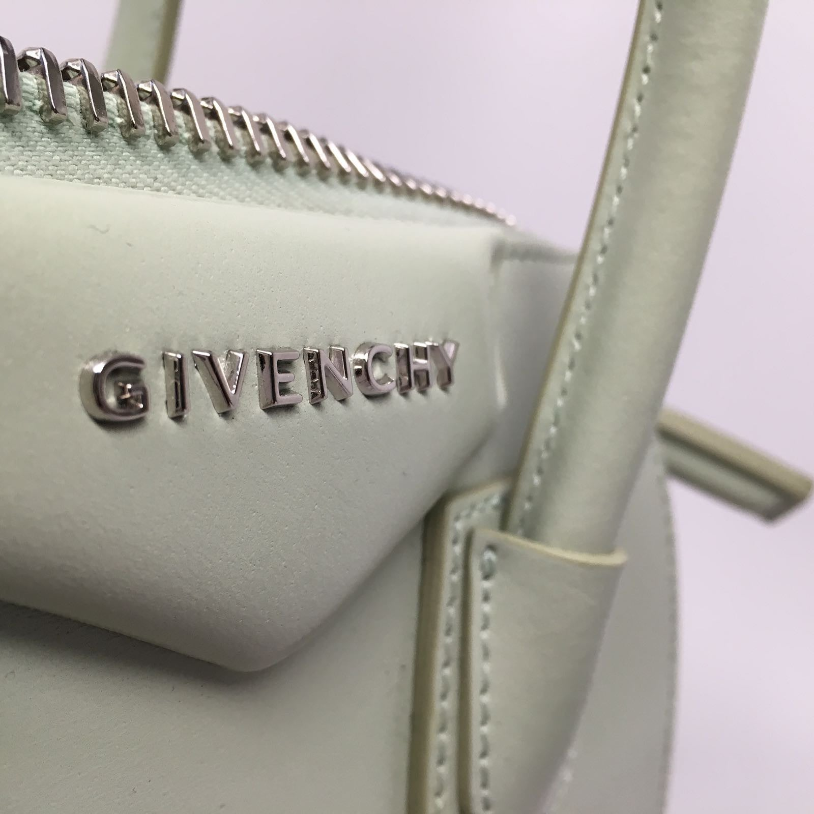 GIVENCHY ANTIGONA MINI BAG - MINT GREEN
