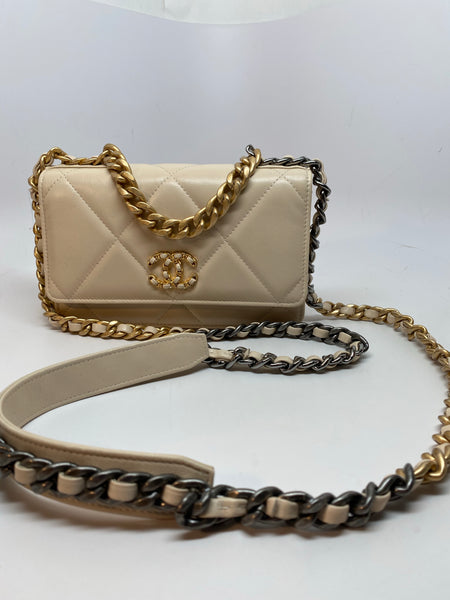 CHANEL 19 WALLET ON CHAIN WOC - LIGHT BEIGE