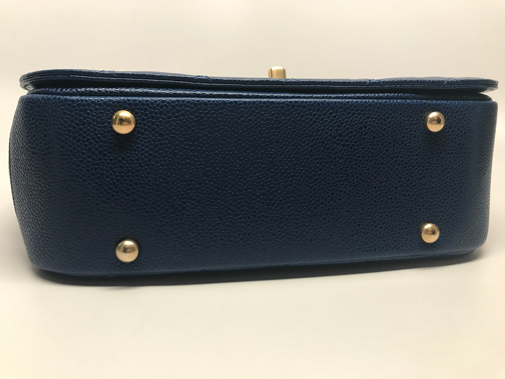 CHANEL CARRY AROUND FLAP BAG IN BLUE CAVIAR LEATHER - MEDIUM
