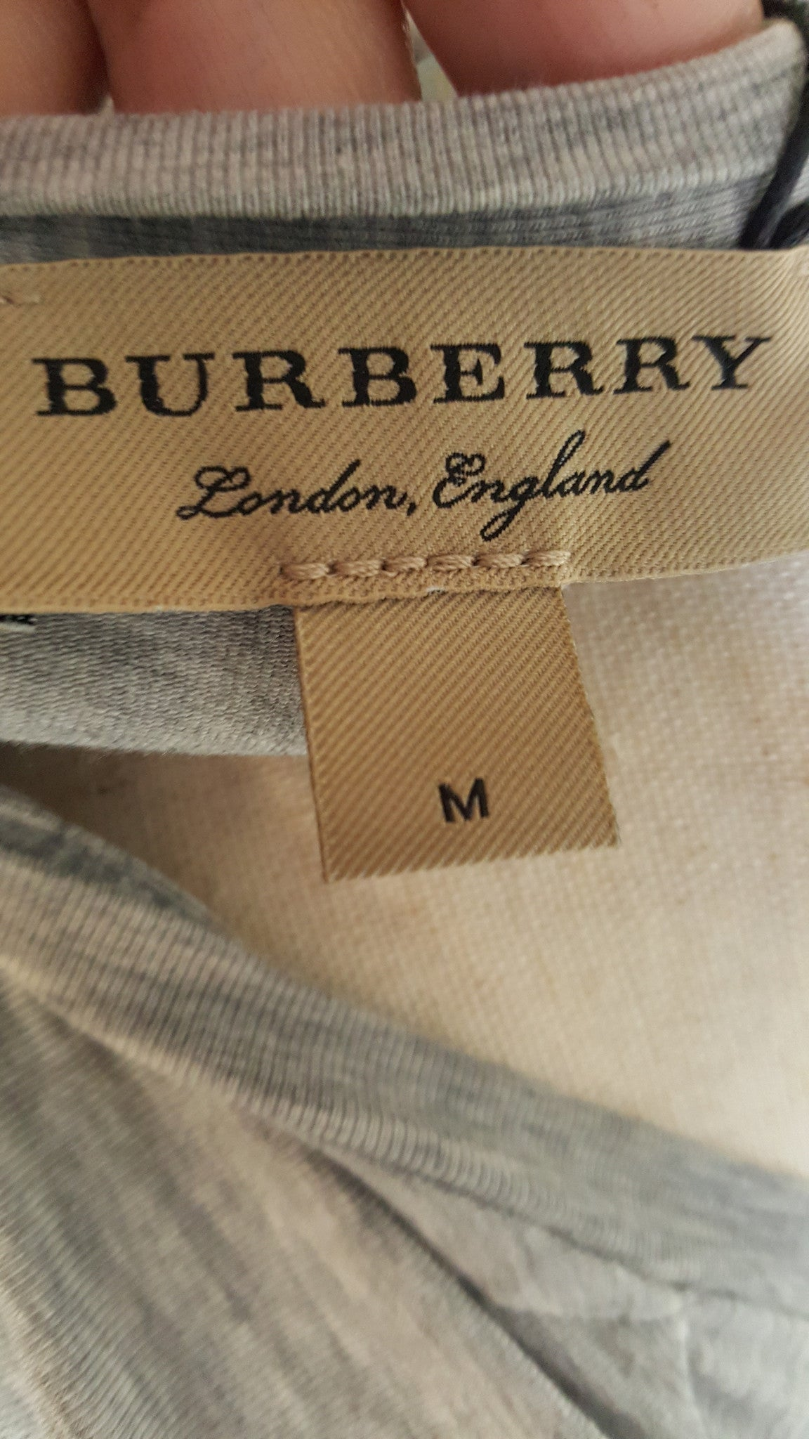 BURBERRY LONDON NOVA CHECK CUFF 3/4 SLEEVE TOP - SIZE MEDIUM - PALE GREY