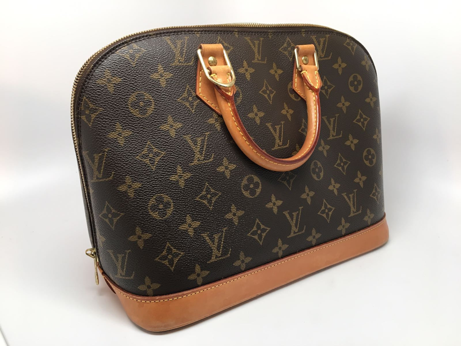 LOUIS VUITTON MONOGRAM ALMA BAG - MM