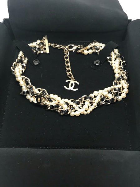 CHANEL GOLD CC GLASS PEARLS AND LEATHER CHAIN CHOKER NECKLACE