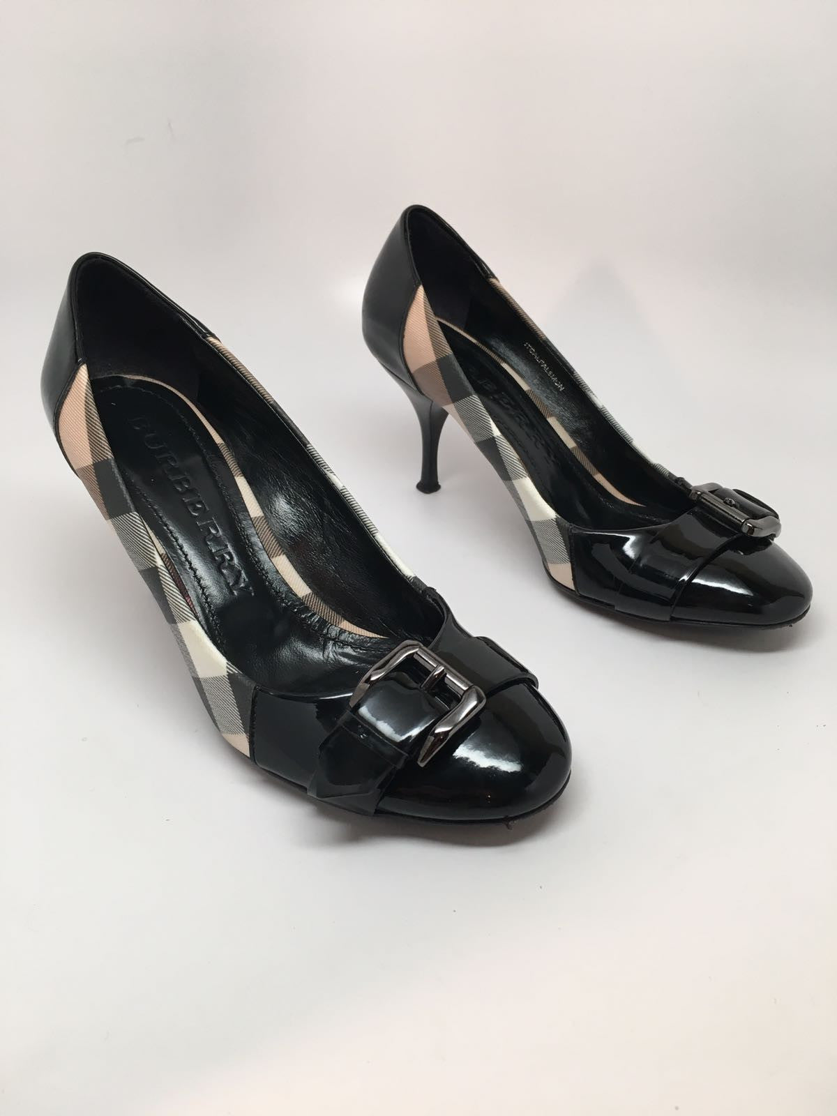 BURBERRY NOVA BUCKLE PUMP - SIZE 36