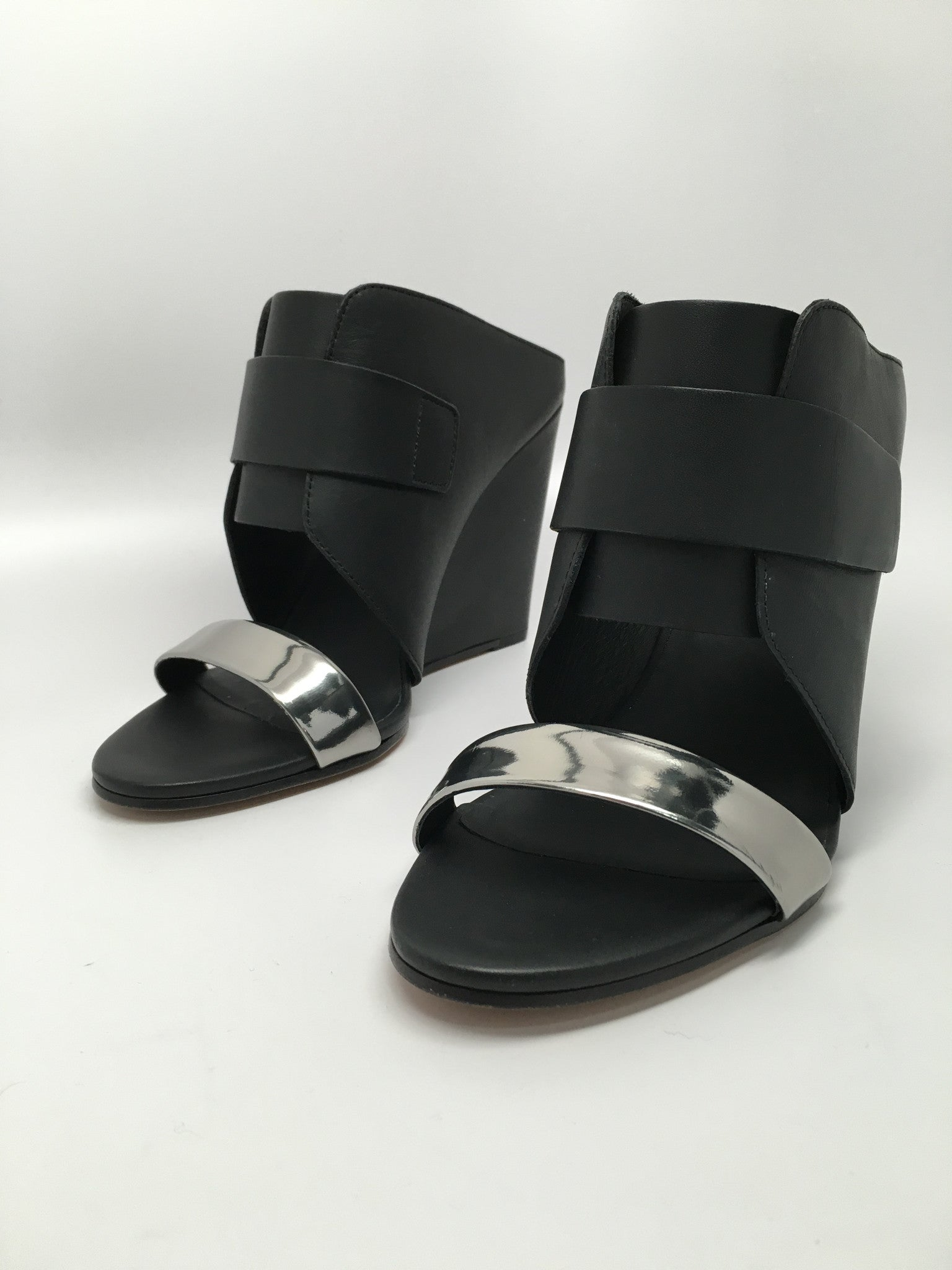 NEW VINCE KARIMA BLACK LEATHER WEDGE MULE SIZE 39.5